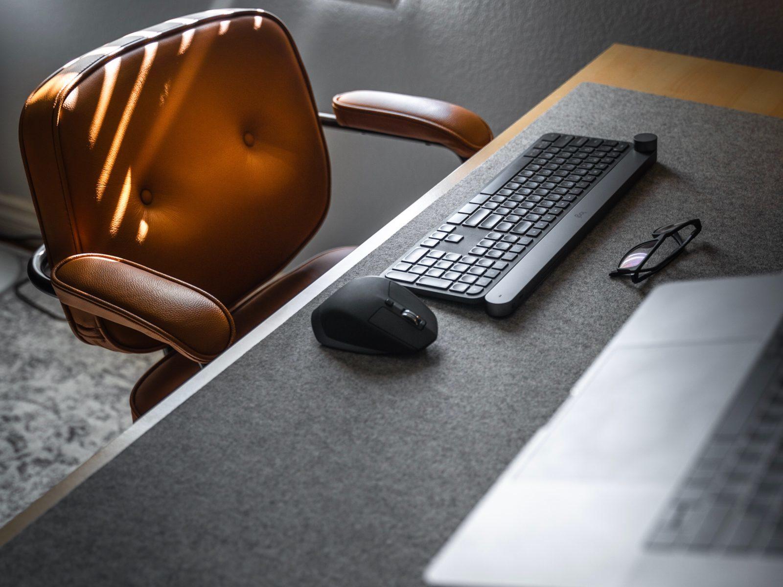 書斎とパソコン